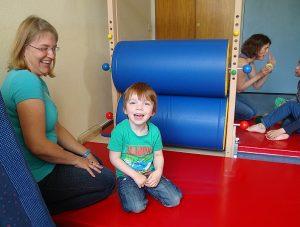 Spenden-die Kindermangel begeistert die Kinder