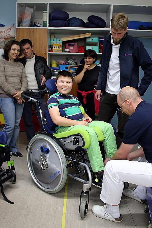 Ein Rollstuhl Für Vladimir